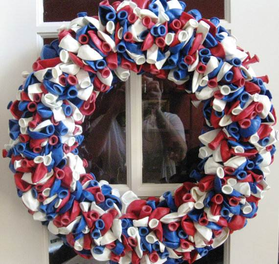Decorative_-Labor-_Day_-Wreaths_-Entry-Door_-Ideas-__23