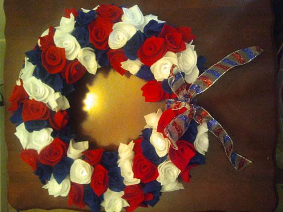 Easy_-Patriotic-_Wreaths-_for_-Labor_-Day-_Holiday_-_08
