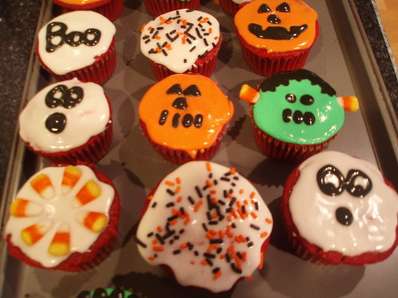 Cupcake Decorating Ideas For Adults : Best Creative Decorating Ideas for Halloween Cupcakes ...