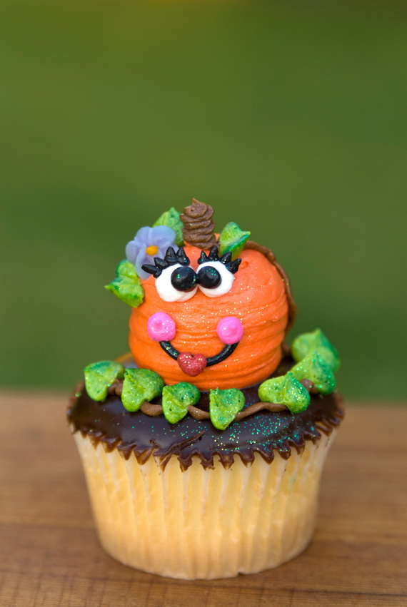 Best Creative Decorating Ideas for Halloween Cupcakes ...