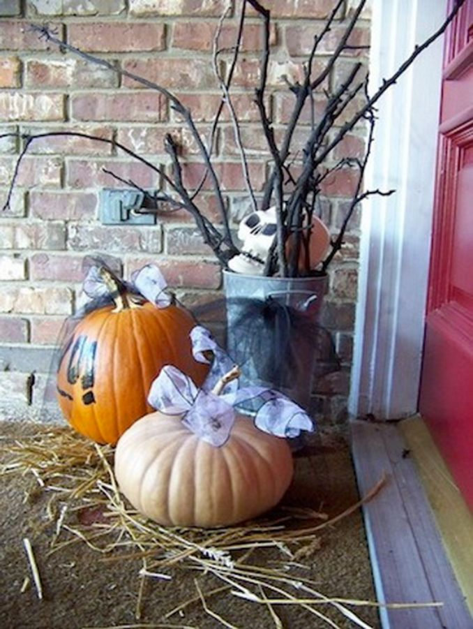 Cool-Outdoor-Halloween-Decorations-2012-Ideas_061