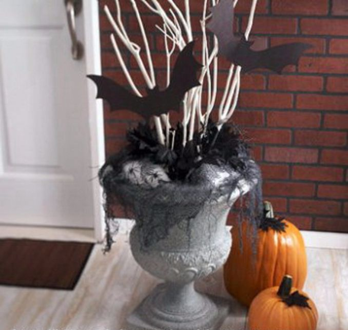 Cool-Outdoor-Halloween-Decorations-2012-Ideas_161
