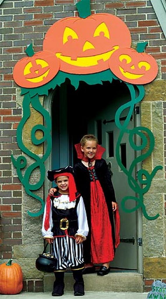 Decorating Ideas > 50 Cool Outdoor Halloween Decorations 2012 Ideas  Family  ~ 030234_Halloween Door Decorations For School