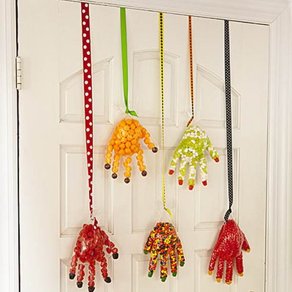 Paint faces on these tassels to add some personalization to each. Whether frightening or friendly, this three-step DIY project is an easy addition to your Halloween decor.