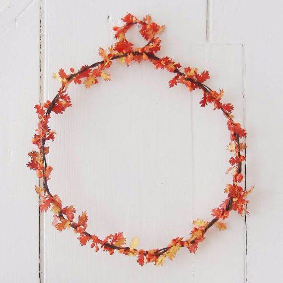 oak-leaf-and-orange-berry-wreath