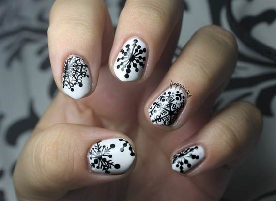 Best-Easy-Simple-Christmas-Nail-Art-designs-Ideas_32