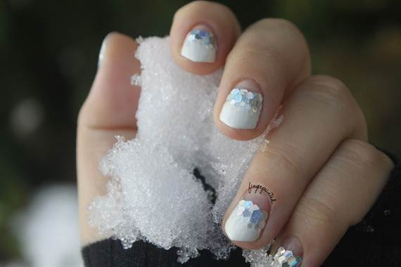 Best-Easy-Simple-Christmas-Nail-Art-designs-Ideas_33