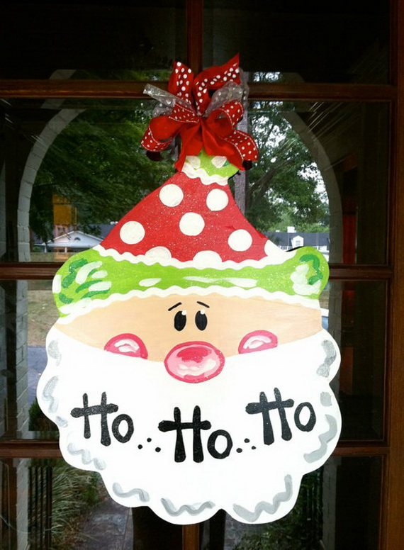 Homemade Christmas Door Hanger Decoration Ideas_08