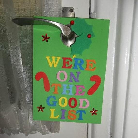 Christmas ornament door hanger ideas we know how to do it for Door hanger design ideas