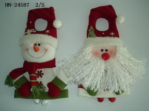 Homemade Christmas Door Hanger Decoration Ideas Family Holiday  - Homemade Christmas Decorations Ideas