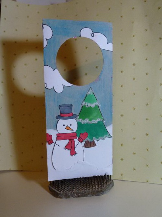 Homemade Christmas Door Hanger Decoration Ideas_24
