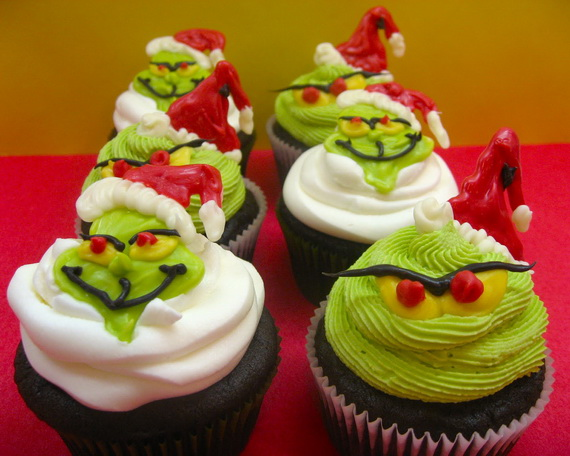 Simple And Creative Christmas Themed Cupcake Designs And