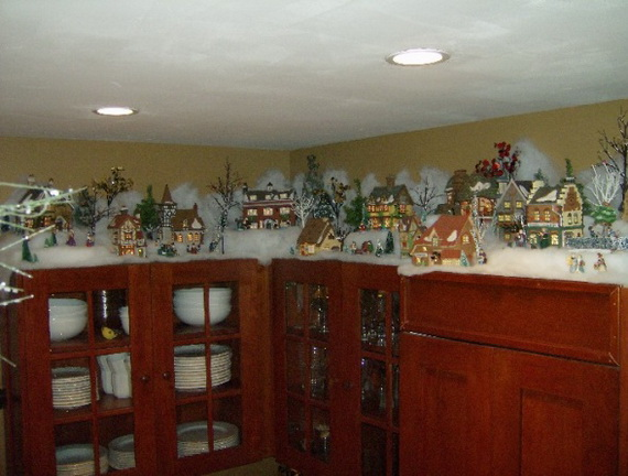 Unique kitchen decorating ideas for christmas family for Christmas decorating above kitchen cabinets