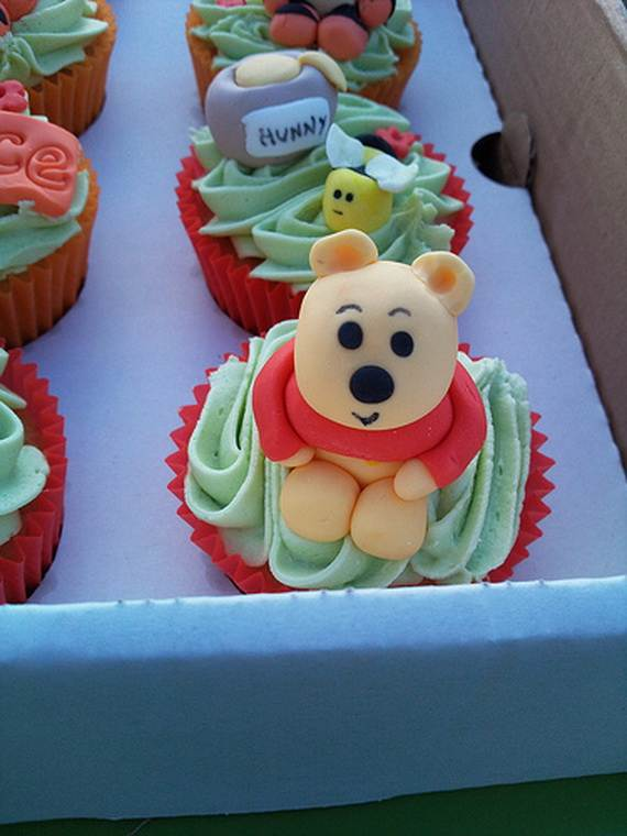 Winnie-the-Pooh-Cake-and-Cupcakes-Decorating-Ideas_19