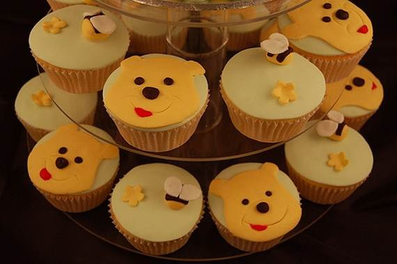 Winnie-the-Pooh-Cake-and-Cupcakes-Decorating-Ideas_29