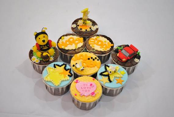 Winnie-the-Pooh-Cake-and-Cupcakes-Decorating-Ideas_42