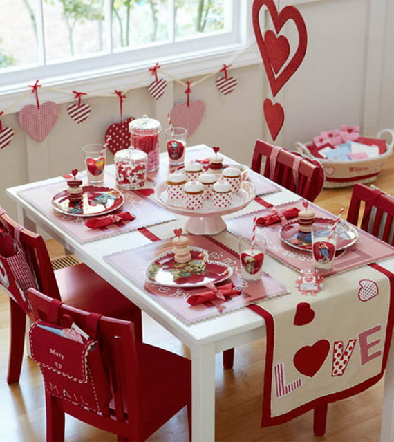 Amazing- &-Easy- Homemade- Valentine's- Day -Centerpieces- Ideas _49