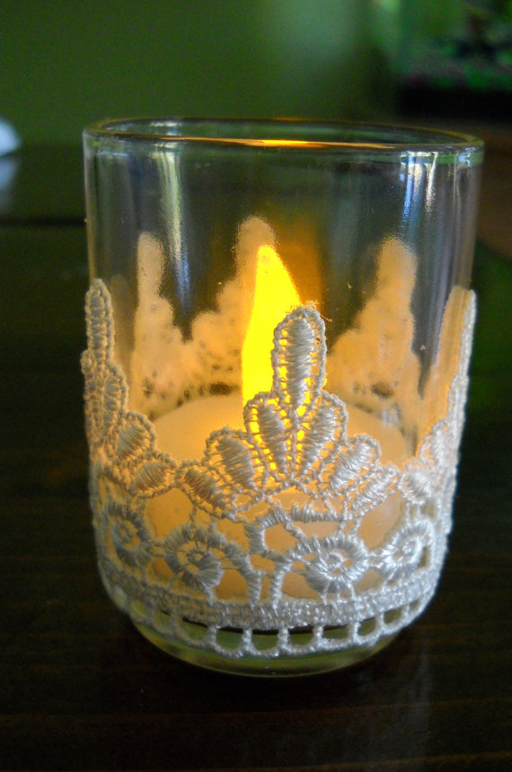 Beautiful- and -Romantic- Candle - Decorations- for- Valentine's- Day_18
