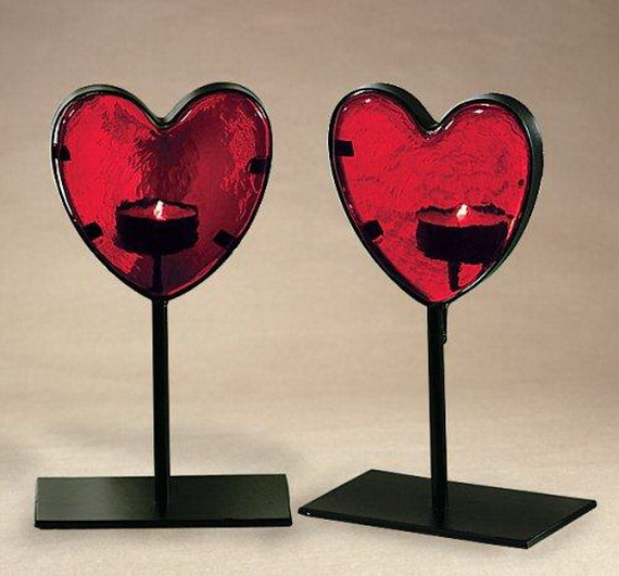 Beautiful- and -Romantic- Candle - Decorations- for- Valentine's- Day_20