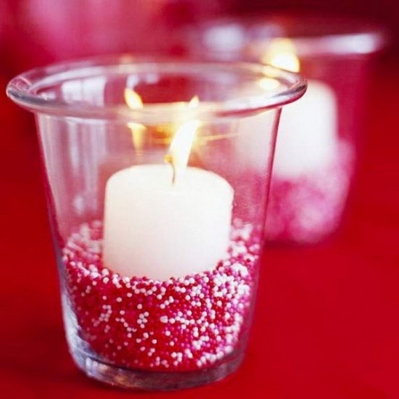 Beautiful- and -Romantic- Candle - Decorations- for- Valentine's- Day_39