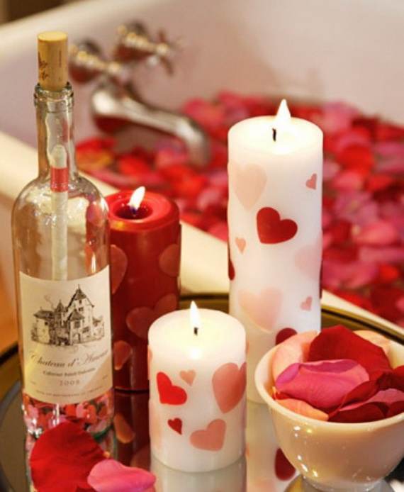 Beautiful- and -Romantic- Candle - Decorations- for- Valentine's- Day_40