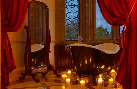 Great- Sexy -Valentine's- Day- Bathroom- Decorating- Ideas _13