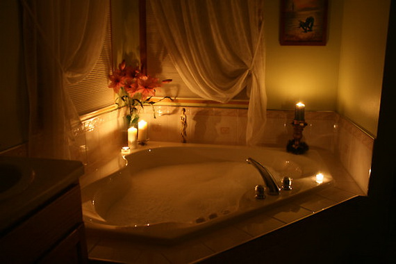 Great- Sexy -Valentine's- Day- Bathroom- Decorating- Ideas _23