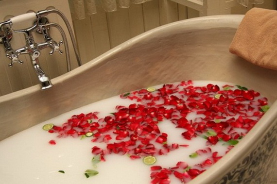 Great- Sexy -Valentine's- Day- Bathroom- Decorating- Ideas _36
