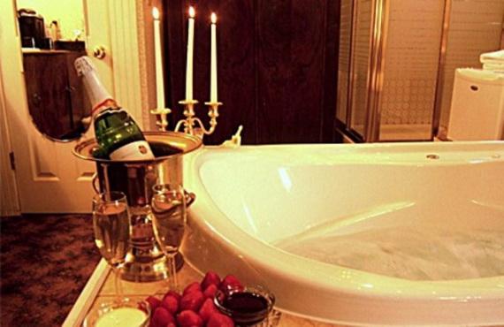 Great- Sexy -Valentine's- Day- Bathroom- Decorating- Ideas _38