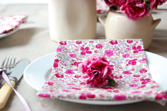 Romantic Table- Decorating- Ideas- for- Valentine's- Day-_12