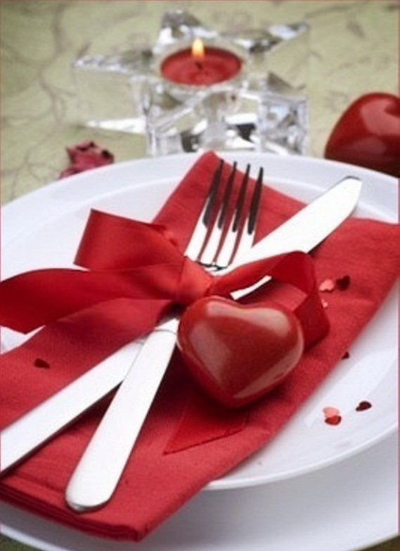 Romantic Table- Decorating- Ideas- for- Valentine's- Day-_38