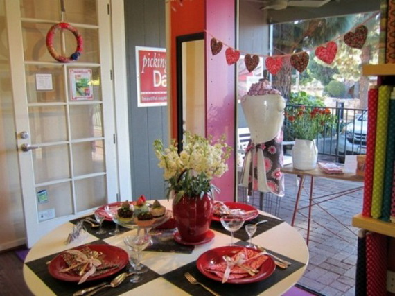 60-Cool -and -Beautiful- Valentine- Table -Decorating- Ideas _45