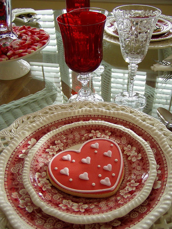 60-Cool -and -Beautiful- Valentine- Table -Decorating- Ideas _53
