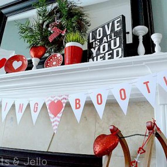 65 -Gorgeous- Valentine's- Day- Mantel- Décor- Ideas_14