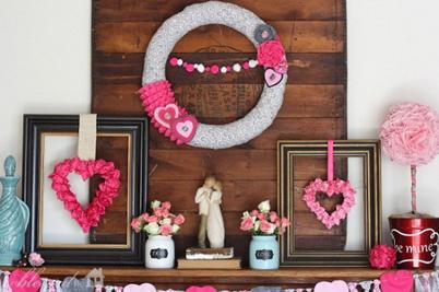 65 -Gorgeous- Valentine's- Day- Mantel- Décor- Ideas_35