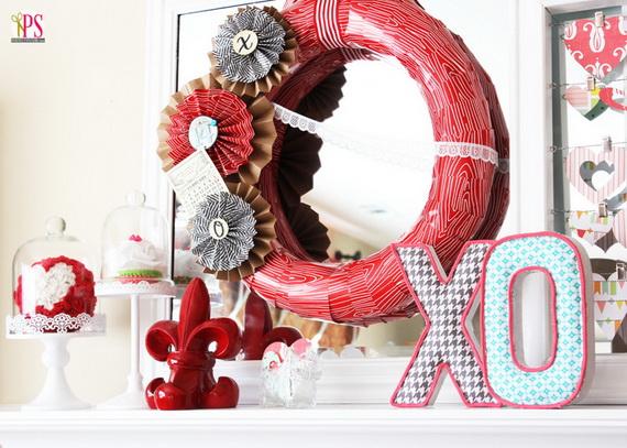 65 -Gorgeous- Valentine's- Day- Mantel- Décor- Ideas_57