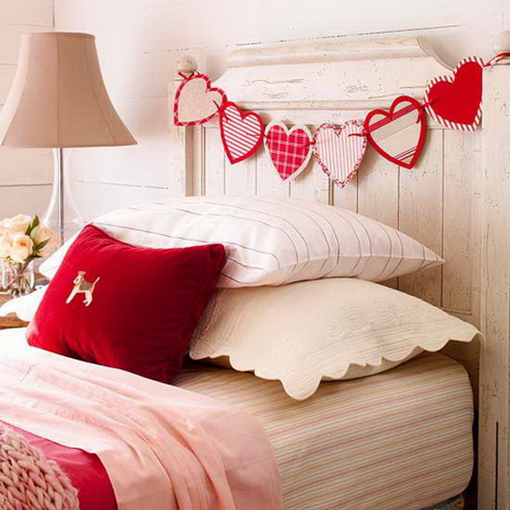 Handcrafted- Valentine's- Day- Decorations_05