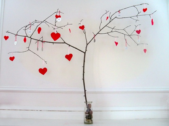 Handcrafted- Valentine's- Day- Decorations_14