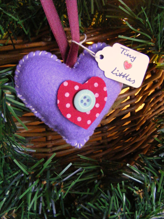 Handcrafted- Valentine's- Day- Decorations_33