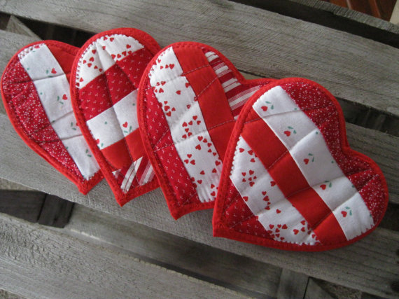 Handcrafted- Valentine's- Day- Decorations_35