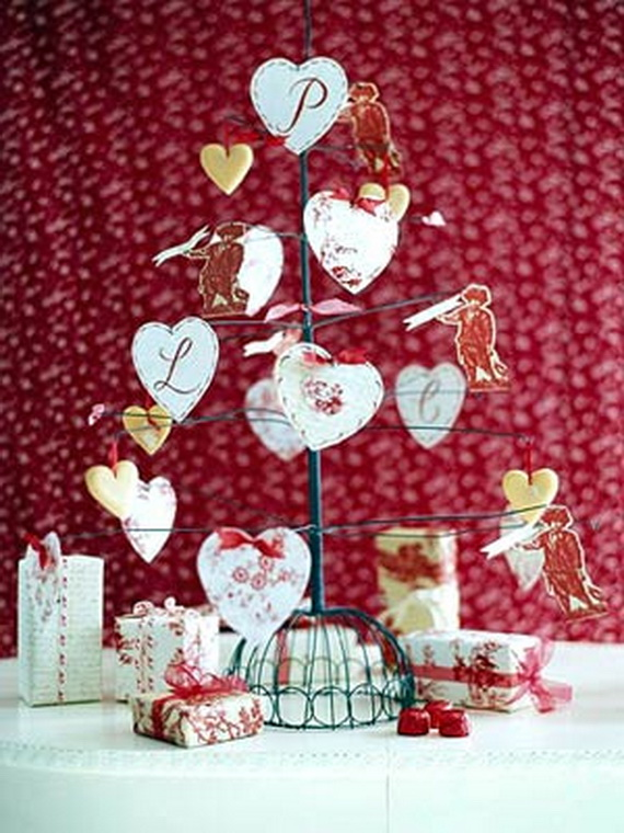 Handcrafted- Valentine's- Day- Decorations_44