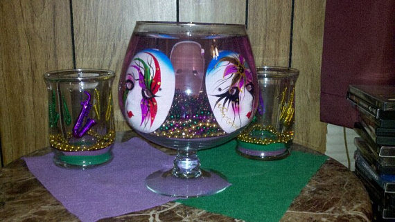 Mardi- Gras- Candle -Decorations_18