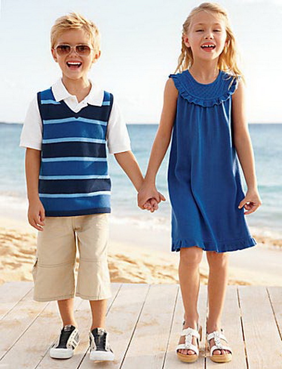 Matching- Family- Easter & Spring- Outfits_06 - Matching Family Easter & Spring Outfits - Family Holiday.net/guide