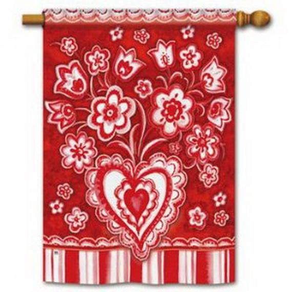 Valentine's- Outdoor-Decoration- Ideas_10