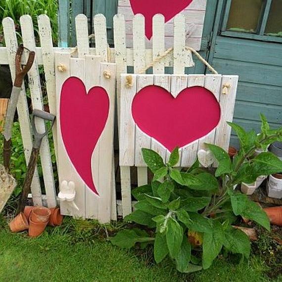 Valentine's- Outdoor-Decoration- Ideas_11