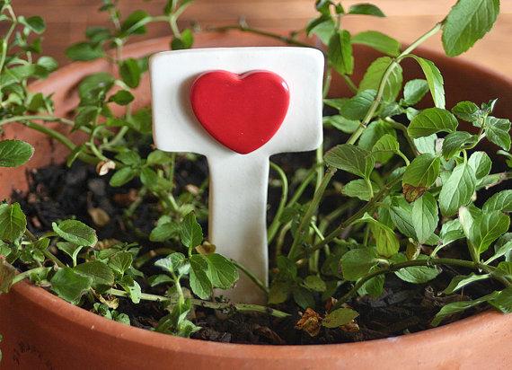 Valentine's- Outdoor-Decoration- Ideas_25
