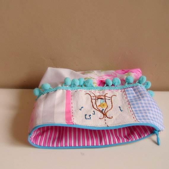 Embroidered- Easter- Treat- Gift- Basket_21