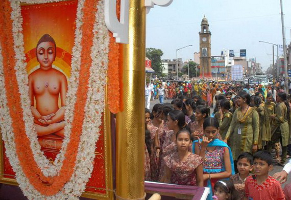 Mahavir- Jayanti- Festival- Jain- Festivals_03