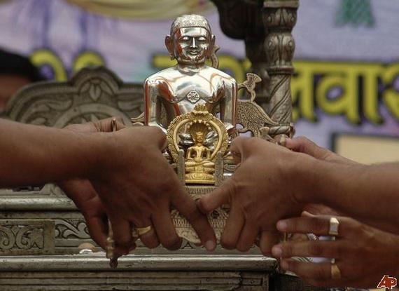 Mahavir- Jayanti- Festival- Jain- Festivals_38