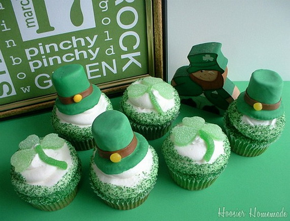 Shamrock-and-Roll-St.-Patricks-Day-Cupcakes_resize